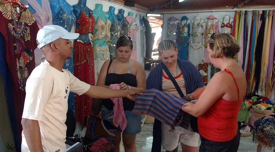 Abu Tig Marina Shopping