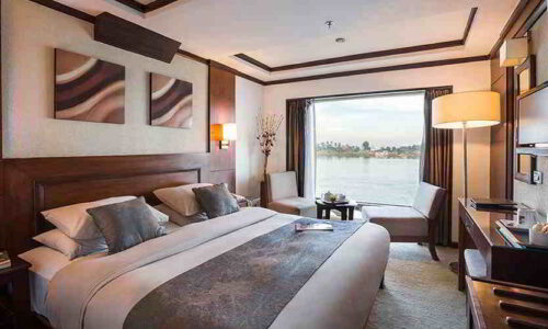 Farah Nile cruise