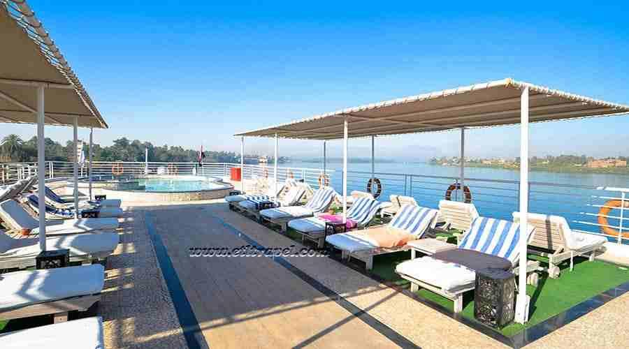 Farida Nile cruise