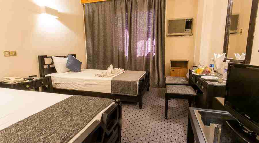 Cleopatra hotel twin room